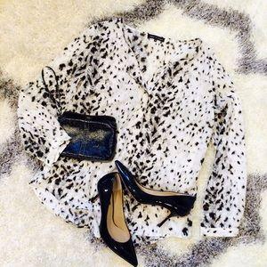 Violet & Claire Tops - Snow Leopard Print Flowy Blouse!