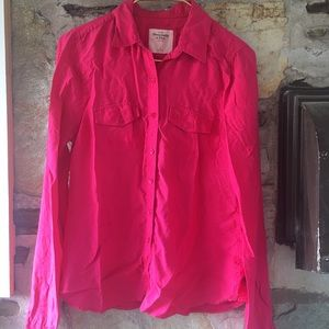 Abercrombie & Fitch Tops - Abercrombie & Fitch fuschia 100% silk blouse. Sz L