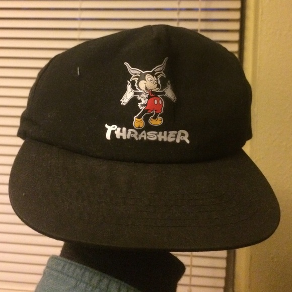 bc8e9217a8f84 M 5871826fc28456de1009a3ed. Other Accessories you may like. HUF Thrasher  navy rope snapback rare