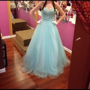 Prom/Sweet sixteen boutique gown