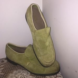 Hush Puppies Other - Hush puppies loafers green suede slip on