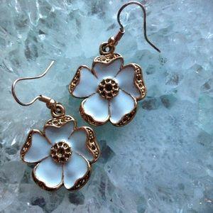 Jewelry - 🦄🌻 Host Pick 🦄🌸💕 Flower Vibes - Earrings
