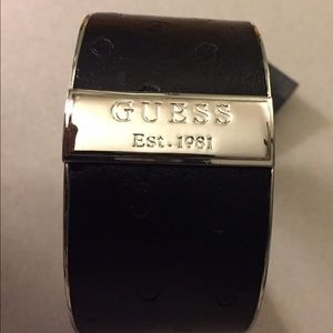 NWT GUESS SILVER TONE FAUX LEATHER BRACELET
