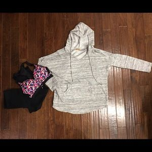 Tops - Hooded sweatshirt