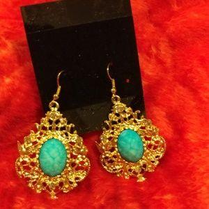 Jewelry - Loop Gold Earrings