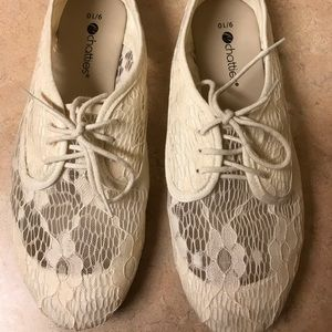Shoes - Women's Crochet Oxford Flat Shoes Lace Up