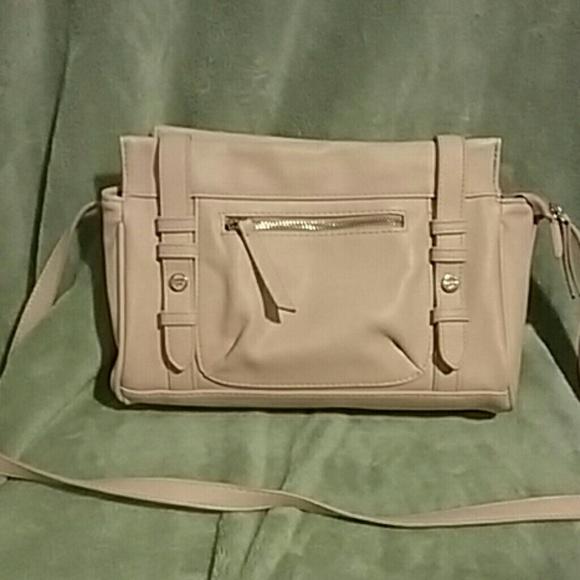 680a8d77177f Madden girl Handbags - FINAL PRICEMadden Girl Light Pink CrossBody Purse