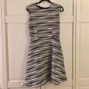 Leslie Fay Dresses & Skirts - Leslie Fay Textured Dress