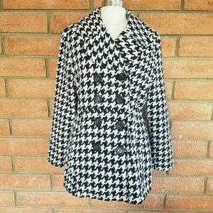 Rue21 Jackets & Blazers - Rue 21 houndstooth coat