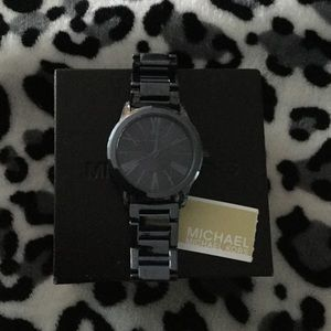 NWT in box Michael Kors gunmetal Watch. All links