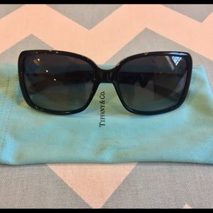 aa759ec65487 Accessories - Tiffany   Co Crystal Key Sunglasses POLARIZED