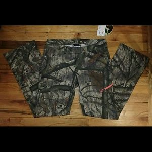 Under Armour Mossy Oak Fitted Pants Size 6 - NWT