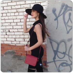 Handbags - Red Shoulder Bag