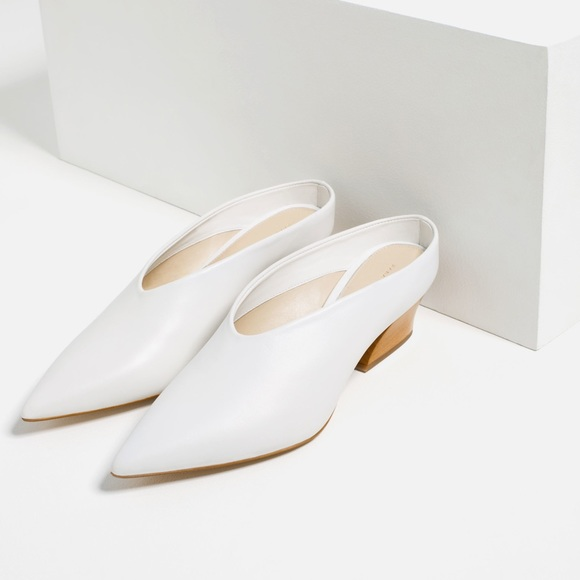 8415b1bc2b39 Zara white slip on mules
