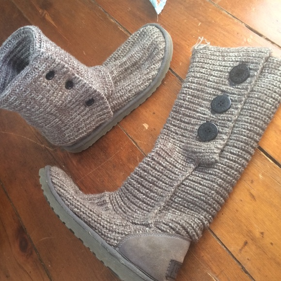 how to clean knit uggs at home