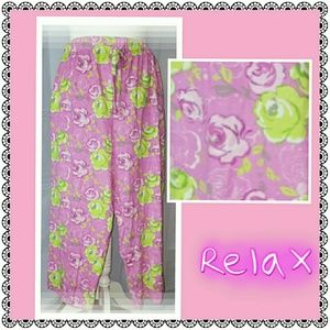 Intimo Other - Perfectly Pink floral lounge capris