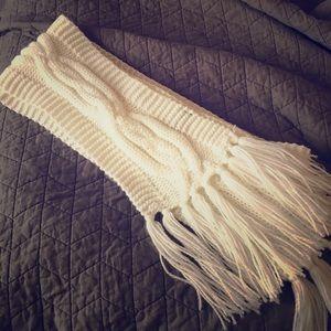 Bonton Accessories - White Crochet Tassel Scarf
