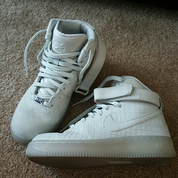 best service 9e19a 6304b Nike Air Force 1 High Tops New York City NYC bone.  M 587274945a49d09fd40cf501