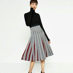 Pleated Houndstooth Plaid Midi Skirt Zara