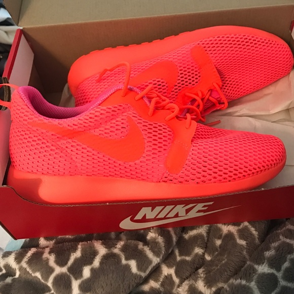4c89071f975e Nike Shoes   Womens Roshe One Hyp Size 8   Poshmark