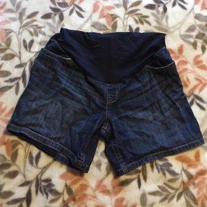 Liz Lange Maternity Shorts!