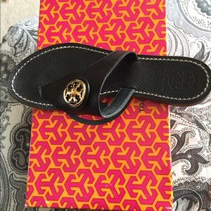 Tory Burch Shoes - Tory Burch Selma Thongs, Size 8
