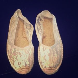 Soludos Shoes - Soludos cream lace espadrilles size 39.      A