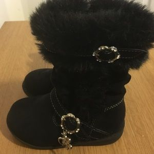 Unlisted Other - Size 7 toddler black faux fur boots