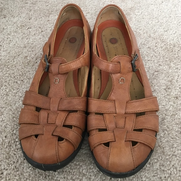 6cfc14b34b96 Clarks Shoes - Clark Structured Shoes Size 9