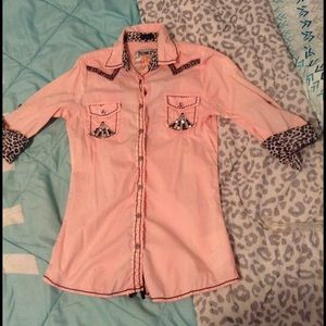 Roar Tops - Roar button up ♣️💕💖BIDS START @30