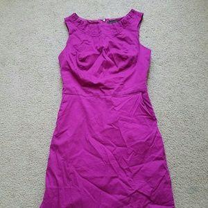 Limited plum sleeveless dress