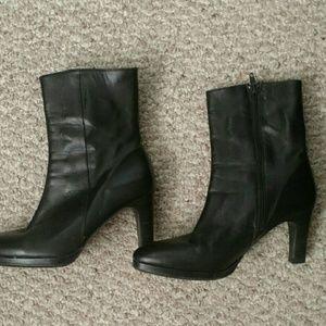 Vintage Shoes - Black Leather Platform Boots Made in Spain Sz 7.5