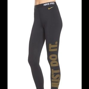 Nike Pro Just Do It Pant