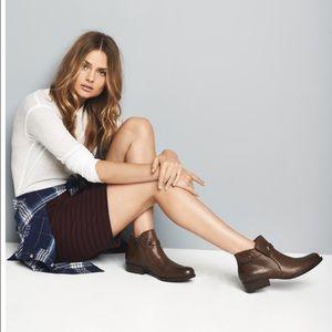 Born Shoes - Born Ankle Leather Bootie Size 9