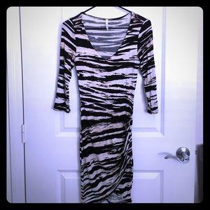 A+ ellen Dresses & Skirts - Printed dress