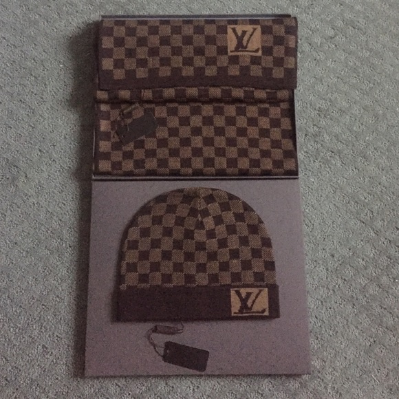 2d5985535fe Authentic Louis Vuitton Damier wool scarf and hat