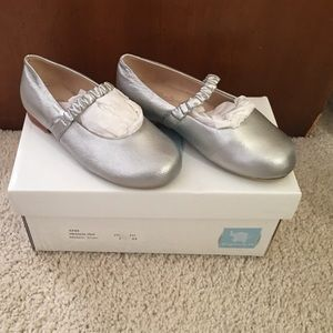 Elephantito Other - NIB Toddler Elephantito Silver Metallic shoes 7
