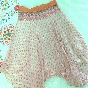 Banana Republic Dresses & Skirts - Banana Republic 100% silk handkerchief hem skirt