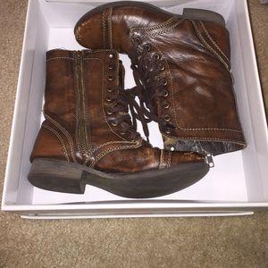 Steve Madden Shoes - Steve Madden troopa boot