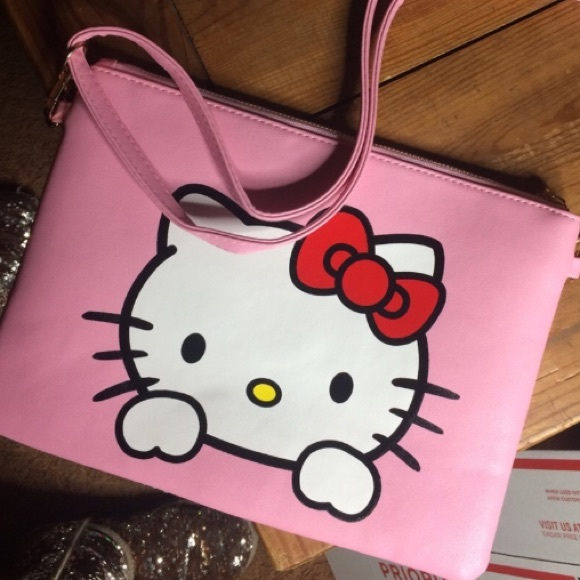 3aaf58f1db81 PERFECT HELLO KITTY OVERSIZED CLUTCH