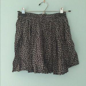 Brandy Melville Dresses & Skirts - Brandy Melville floral skirt