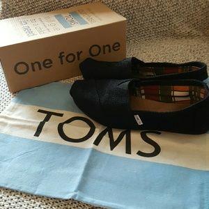TOMS classic black burlap shoes