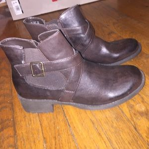 Ankle boots NWOT