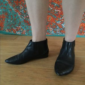 Flat Black Pointed Boots