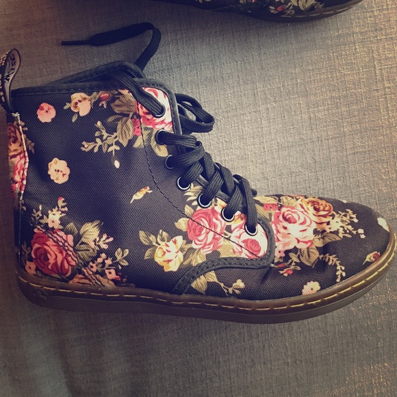 63 dr martens shoes canvas doc martens from megan