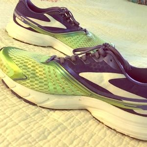 Brooks Shoes - Brooks Launch green purple sneakers running shoes
