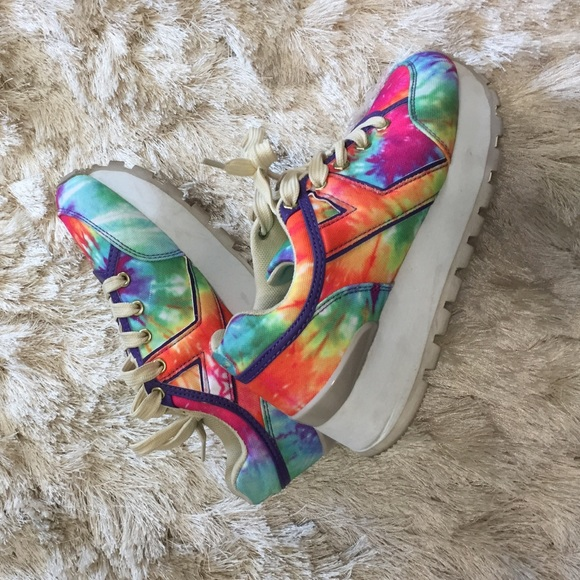 8d6bfc690790 YRU Shoes - YRU ⭐ Tie dye sneaks