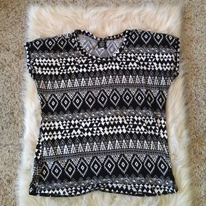 Short sleeve Aztec patterned shirt