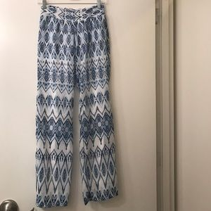 Saks Fifth Avenue Pants - Blue/white lightweight pants