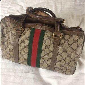44db1eb2be4e Gucci Bags - 🔥LET IT GO SALE😱🔥 Authentic Vintage Gucci Purse